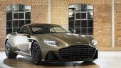 Aston Martin DBS Superleggera OHMSS omaggia 007