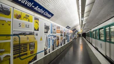 Parigi, la stazione della metro Javel-Citroen omaggia André