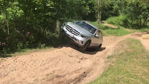 Mercedes GLC: il test off-road VIDEO