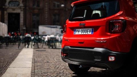 Jeep Renegade ibrida plug-in: foto
