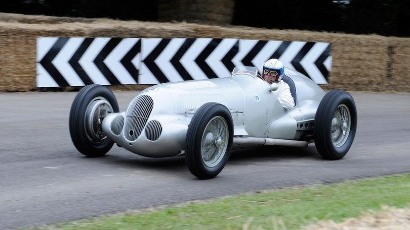 Mercedes, Frecce d'Argento in mostra a Goodwood