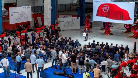 Fiat 500 elettrica: a Mirafiori ecco il primo robot FOTO