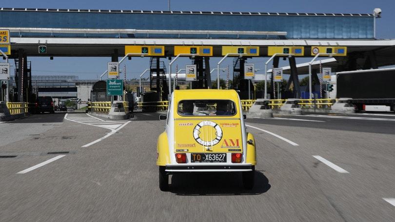 Citroën 2CV verso il Raduno del Secolo: la partenza