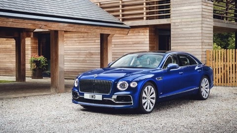 Bentley Flying Spur First Edition: le foto