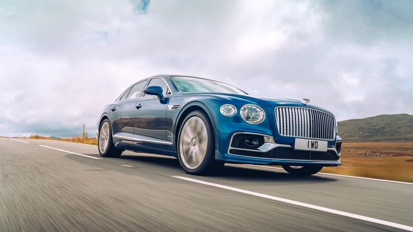 Bentley Flying Spur First Edition, la prima all'asta