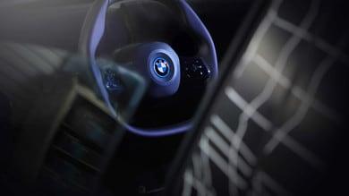BMW iNext, volante in sinergia con la guida autonoma