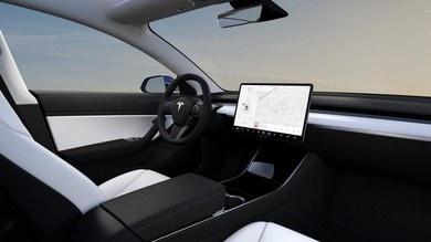 Tesla, Netflix e Youtube in streaming con l'aggiornamento