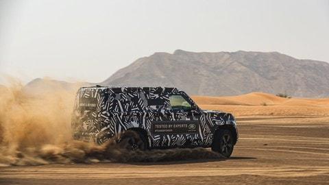 Land Rover Defender, test con la Croce Rossa VIDEO