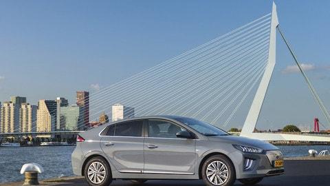 Hyundai Ioniq Electric: le foto