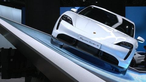 Porsche Taycan, Salone di Francofore 2019: VIDEO