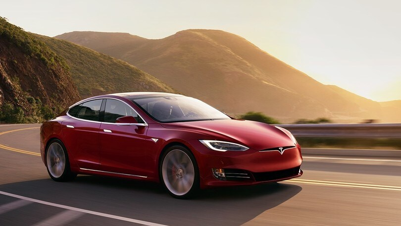 Tesla Model S, Plaid in arrivo per sfidare Taycan al Nurburgring