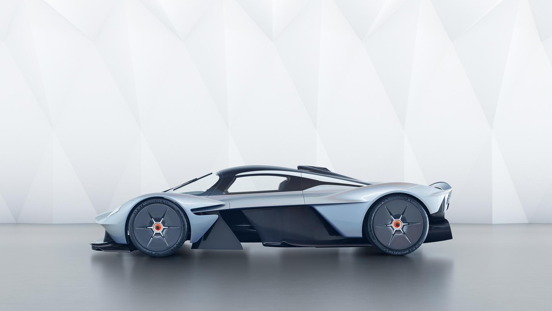 Aston Martin Valkyrie, le foto