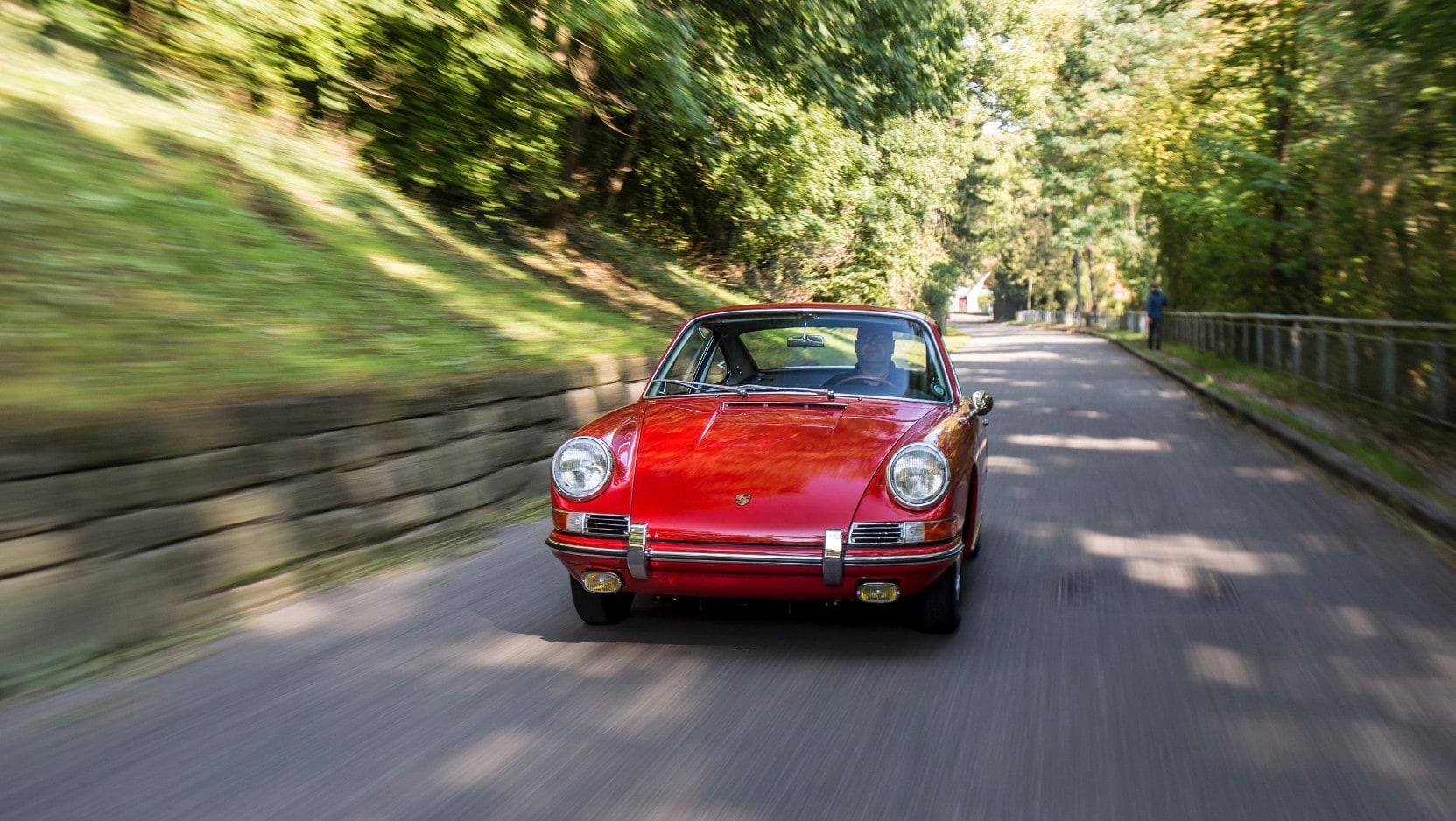 Porsche Museum restaura la sua più antica 911