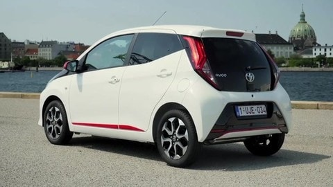 Nuova Toyota Aygo: video