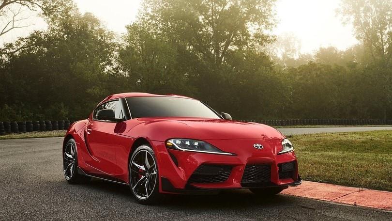 Nuova Toyota Supra, passo sportivo e tre motori al lancio