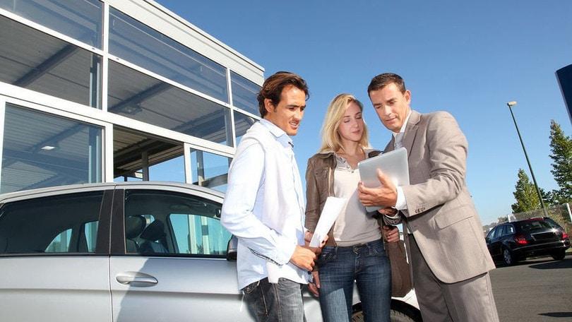 Auto: sì sharing, ma gli italiani la preferiscono di proprietà