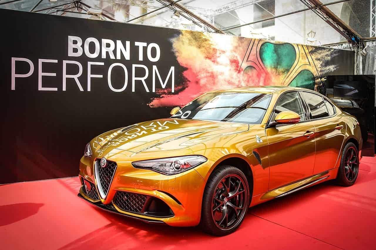 Alfa Romeo Giulia Quadrifoglio: edizione speciale in ocra