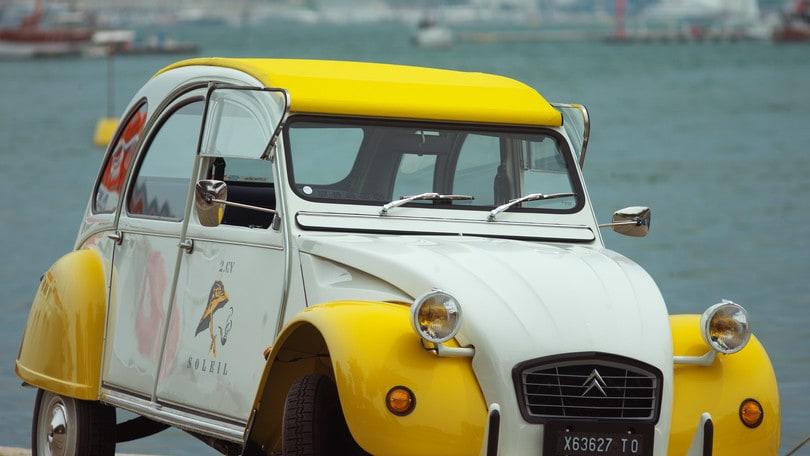 Centenario Citroën, al Raduno del Secolo con una 2CV