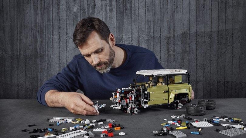 La spettacolare Land Rover Defender di Lego Technic