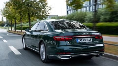 Audi A8 L 60 e quattro: foto