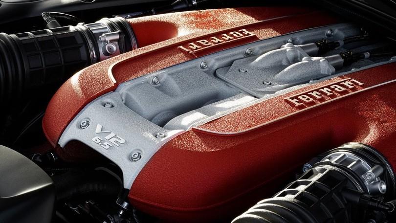 Motore V12 Ferrari, la novità che fa convivere prestazioni ed emissioni