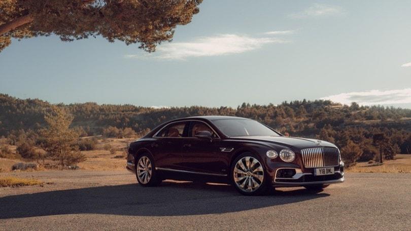 Nuova Bentley Flying Spur, l'ammiraglia sportiva