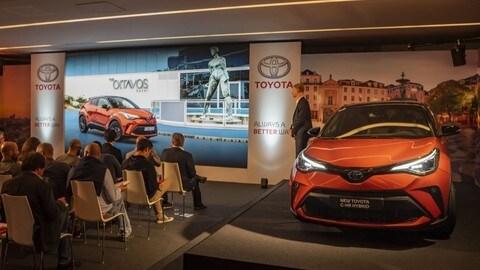 Test Nuova Toyota C-HR: FOTO