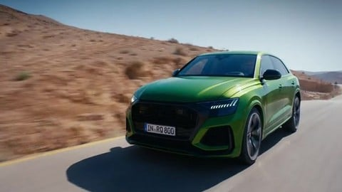 Audi RS Q8, SUV esagerato: VIDEO