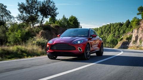 Aston Martin DBX: foto
