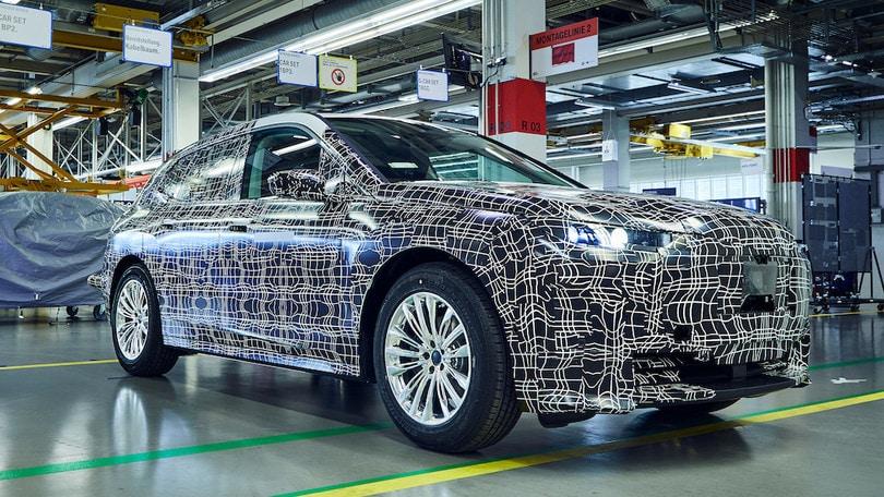 BMW iNext, Dingolfing si rifà il look per il suv elettrico