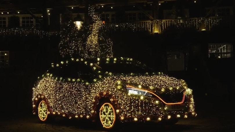 Nissan Tree, versione natalizia di Nissan Leaf: VIDEO