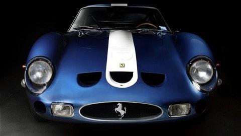 Auto storiche in Classic Blue: foto