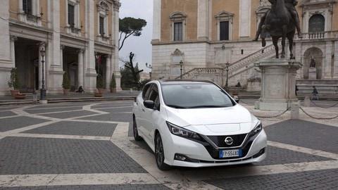 Nissan LEAF, auto ufficiale della Maratona di Roma: le foto
