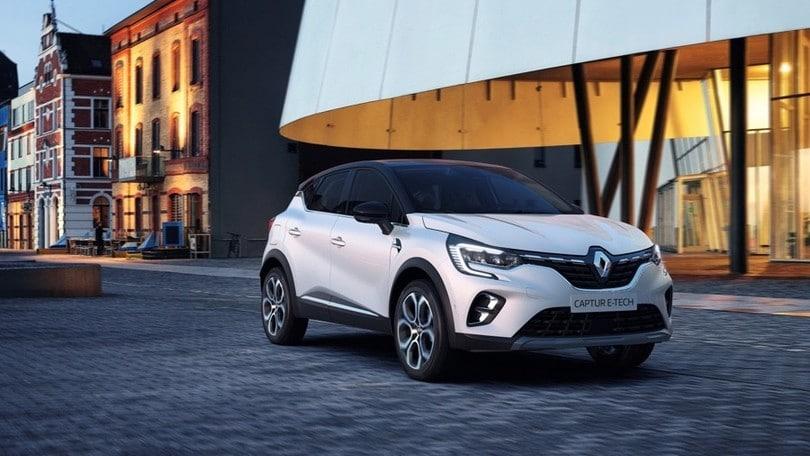 Renault Captur ibrida plug-in e Clio full hybrid accomunate dall'E-Tech