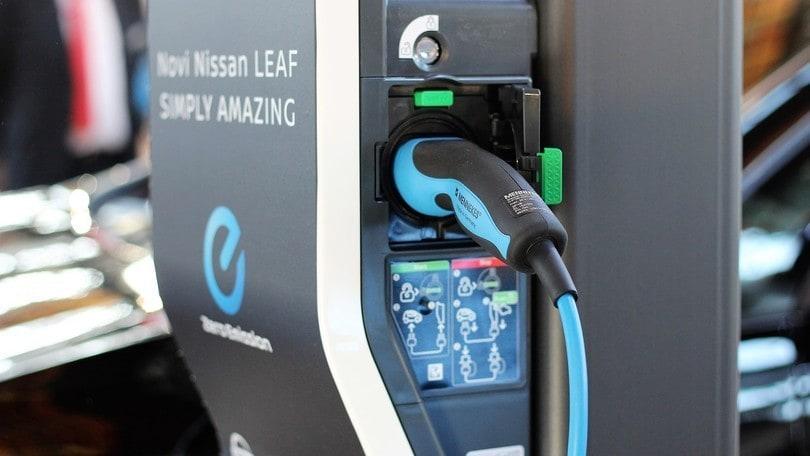 Auto elettriche: detrazione fiscale per le colonnine di ricarica