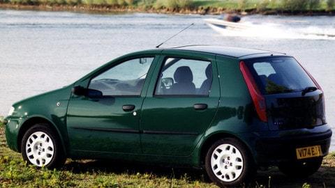 Fiat Punto e Panda, le auto più vendute nel 2009 e nel 2019: FOTO