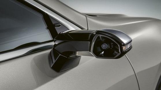 Retrovisori virtuali Lexus, addio specchietti