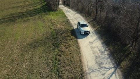 Volvo XC60 B4, la prova VIDEO