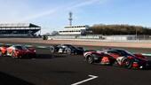 Aston Martin Valkyrie, il cameracar con Verstappen al volante