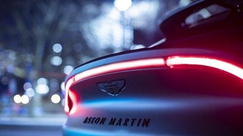 Aston Martin DBX by Q FOTO