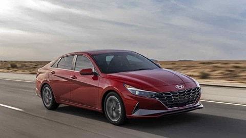 Hyundai Elantra 2021 - VIDEO