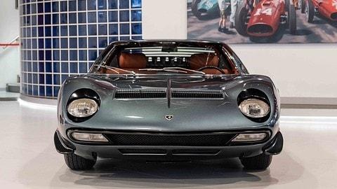 Lamborghini Miura SV all'asta FOTO