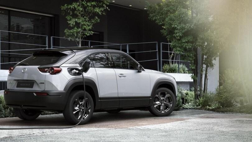 La nuova Mazda MX-30 come non l'avete mai vista