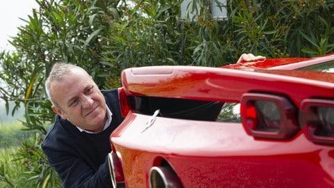 Ferrari SF90 Stradale, la prova FOTO