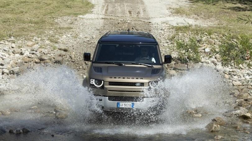 Nuova Land Rover Defender 110: la Leggenda domina ogni terreno