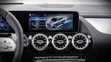 Display touchscreen in auto pericolosi: proposto il divieto d'utilizzo
