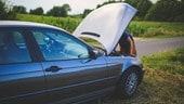 Auto ferma in autostrada: guida alle 10 cose da fare e non fare