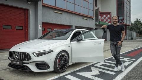 Bottas con la Mercedes A 45 AMG S a Imola VIDEO