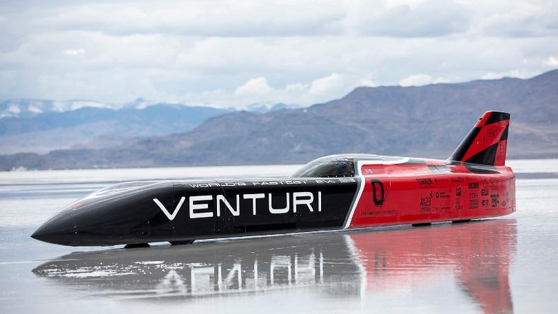 Venturi celebra i 549 km/h in elettrico, in attesa del record con Biaggi