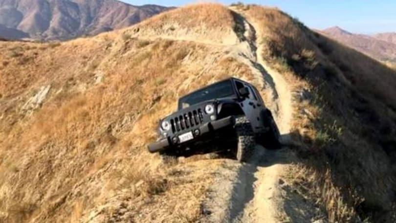 Jeep Wrangler abbandonata, la storia incredibile